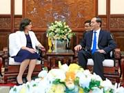 Presidente de Vietnam recibe a nueva embajadora de Cuba