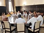 Vietnam y Cuba comparten experiencias de desarrollo de la prensa