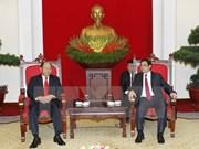 Alto funcionario del PCV recibe a ministro del Interior de Laos