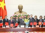 Premier de Vietnam promete apoyo continuo para comunidad empresarial