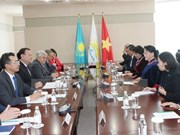 Impulsan cooperación entre partidos de Vietnam y Kazajstán