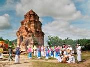 Celebran en Vietnam festival tradicional de etnia Cham