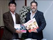 Entidades holandesas entregan a Vietnam documentales de alto valor histórico