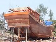 Astillero vietnamita de Phu Yen bota barco pesquero de 650 cv de potencia