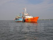 Rescatan a marineros vietnamitas accidentados en el mar