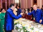 Minh Long, orgullo del arte cerámico de Vietnam, presente en Semana de alto nivel del APEC