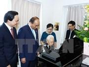 Premier felicita a pedagogos nacionales por el Día del Maestro vietnamita