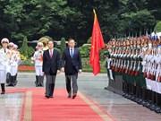Presidente de Vietnam recibe en Hanoi a homólogo polaco