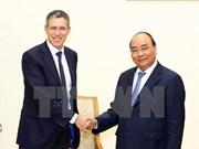 Premier Xuan Phuc insta a grupo francés a expandir inversión en Vietnam