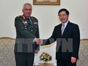 Vicepremier y canciller de Vietnam recibe a presidente del Comité Militar de UE