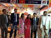 Vietnam participa en feria comercial internacional en Camboya