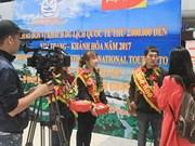 Provincia central vietnamita da bienvenida a turista número dos millones