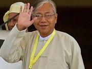 Presidente de Myanmar promete una república federal democrática