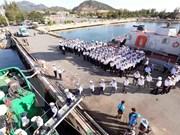 Regalos del Tet llegan a islas vietnamitas de Truong Sa