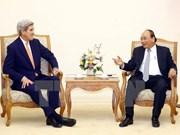 Premier Xuan Phuc elogia aportes de John Kerry a nexos Vietnam- Estados Unidos