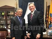 Vietnam y Estados Unidos fomentan cooperación en energía y defensa