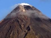 Filipinas amplía orden de evacuación debido a riesgo de volcán Mayon