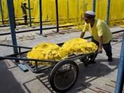 Tailandia considera elevar salario mínimo