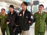 Policía vietnamita transfiere a dos narcotraficantes a Sudcorea
