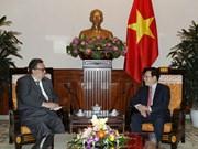 Vicepremier vietnamita recibe a nuevo embajador de Finlandia