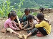 Cruz Roja de Vietnam en pro de familias pobres