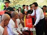 Presidente de FPV felicita a soldados y pobladores en zonas fronterizas en ocasión del Tet