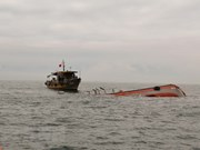 Rescatan a pescadores vietnamitas accidentados en el mar