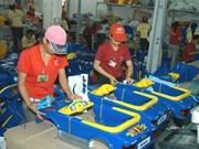 Vietnam ingresa fondo multimillonario por exportación de productos plásticos en 2017