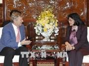 Vicepresidenta vietnamita elogia actividades de Operation Smile con niños
