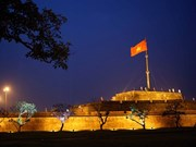 Iluminan Torre de Bandera en patrimonio cultural vietnamita