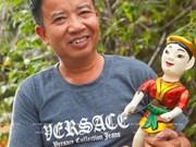 Phung Quang Oanh, el artesano que llevó las marionetas acuáticas del norte al sur