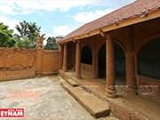 La artesanía de laterita en el área de Doai