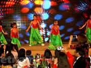 Comunidades vietnamitas en extranjeros celebran actividades con motivo del Tet 2018