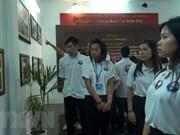 Miles de personas visitan sitio dedicado al padre del presidente Ho Chi Minh