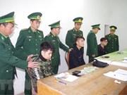 Detienen en Vietnam a tres chinos por uso de tarjetas ATM falsas