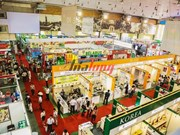 Nutrida participación internacional en feria comercial de Vietnam