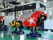 Primer ministro asiste a inauguración de fábrica de autos en Quang Nam