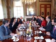Delegación de Asamblea Nacional de Vietnam visita Instituto Deltares en Países Bajos
