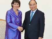 Premier vietnamita llama a impulsar nexos comerciales con Suiza