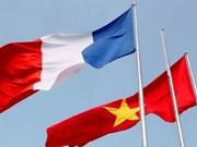 Canciller vietnamita expresa felicitaciones por aniversario de relaciones con Francia