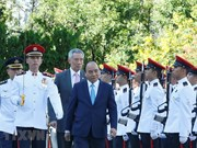 Premier singapurense recibe al homologo vietnamita