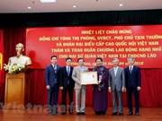 Embajada de Vietnam en Laos recibe Orden de Trabajo de primera categoría
