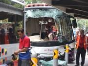 Más de 30 personas heridas en choque de autobuses en Singapur