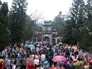 Más de un millón de excursionistas participan a los festejos de la Pagoda del Perfume