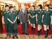 Máximo dirigente político de Vietnam dialoga con sindicalistas del Ejército