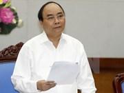 Premier vietnamita insta a trabajar para crecer 6,8 por ciento en 2019