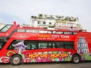 Vietnamitas y turistas descubrirán Hanoi en autobuses de dos pisos