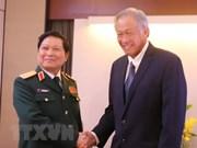 Vietnam robustece lazos en defensa con Nueva Zelanda, Reino Unido y Singapur