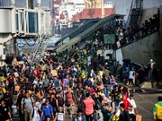 Fallecen al menos 13 personas al naufragar barco sobrecargado en Indonesia