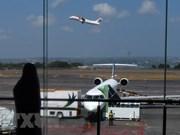 Indonesia reabre aeropuerto de Bali cerrado temporalmente por la erupción del volcan Agung